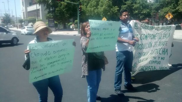 Antorchistas vuelven a bloquear calles de la ciudad