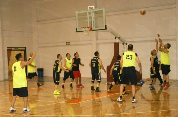 Patos siguen en Grupo B en basquetbol de veteranos