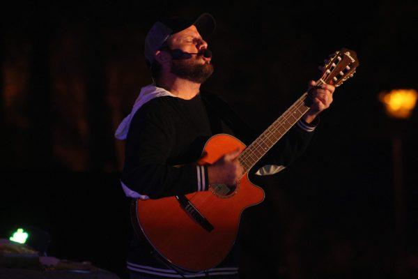 Nicho Hinojosa conectó con los corazones en concierto