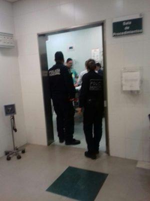 Salvan ciudadanos y policías a un infante