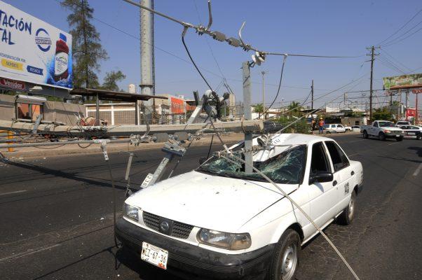 Accidente deja sin luz por 10 horas a habitantes de Las Fuentes