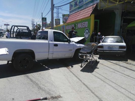 Saldo de tres personas lesionadas en choque
