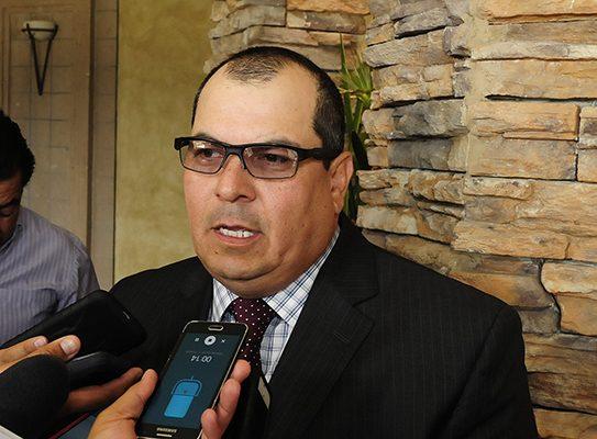 Continúan presos ex secretarios en Arizona