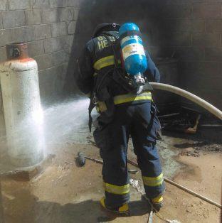 Explosión de un tambo de gas en fraccionamiento Villa Merlot.1