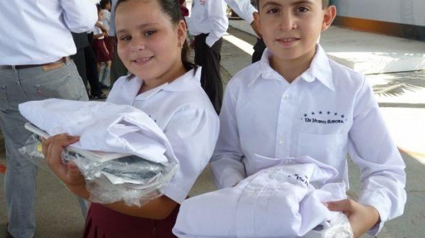 Logra SEC un avance del 80% en la entrega de uniformes