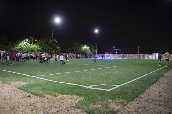 Encienden con iluminación LED el parque de la colonia Los Ángeles