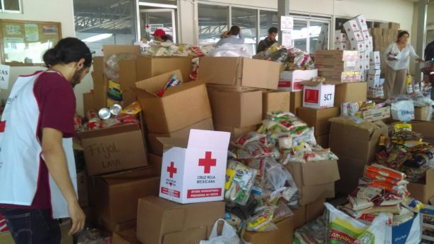 Cruz Roja centro de acopio en víveres para afectados de sismo