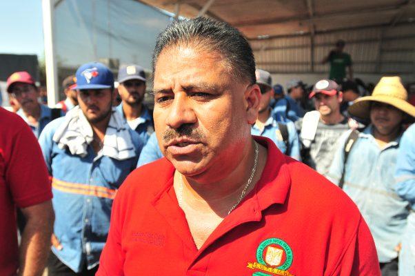 Autoridades tratan de resolver conflicto con trabajadores del Ayuntamiento