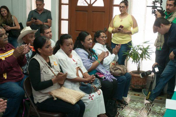 """Saldrán etnias al aire con programa de radio """"De Raíz"""""""
