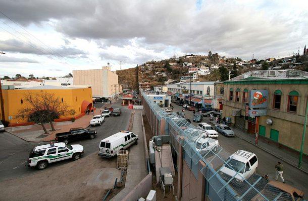 Compradores mexicanos son vitales para economía de Arizona