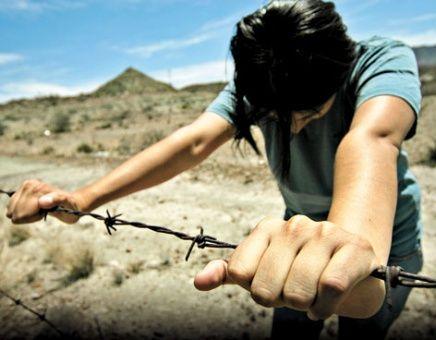 Rescatan a joven guatemalteca en la frontera