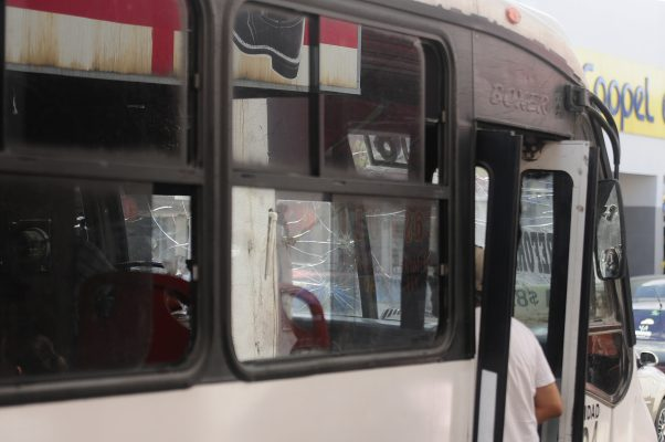 Notifica Hacienda a camiones urbanos con adeudos