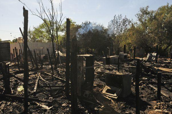 [Galería] Arden cuatro casas en la colonia Laura Alicia Frías