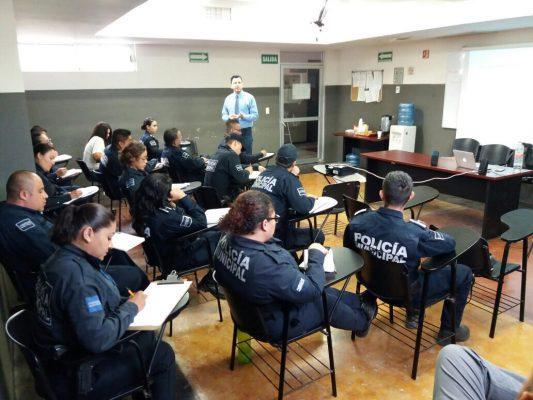 Recibe Policía local curso sobre violencia intrafamiliar