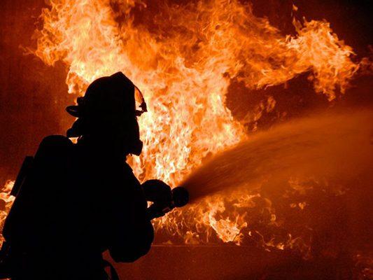 Arde vivienda en Sierra Bonita