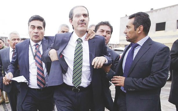 Ratifican amparo a Guillermo Padrés, el tribunal federal instruyó dictar libertad o formal prisión