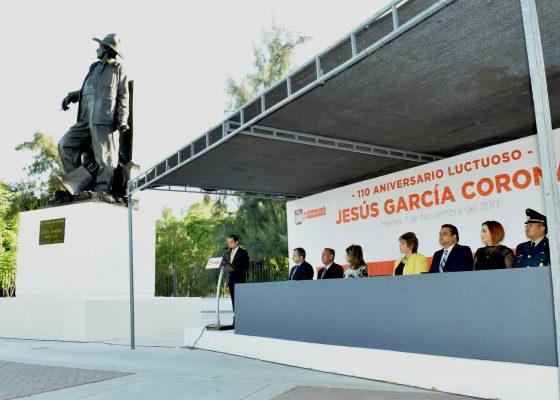 Rinden homenaje al héroe Jesús García Corona