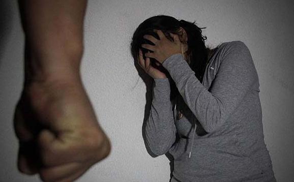 Disminuye violencia contra las mujeres