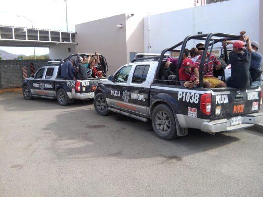 Detienen a 82 hombres en operativo en la colonia El Cortijo
