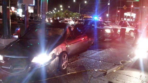 [Galería] Robo de vehículo provoca balacera en Solidaridad y Navarrete
