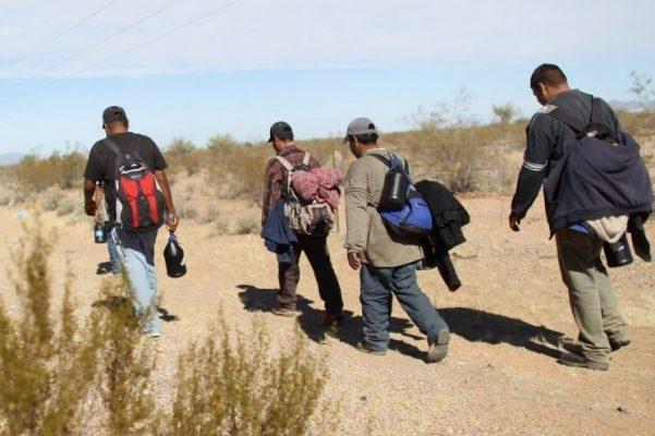 A pesar del frío se mantiene flujo de migrantes