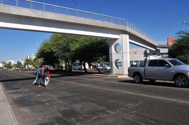 Instalarán barrera bajo puente peatonal de Unison