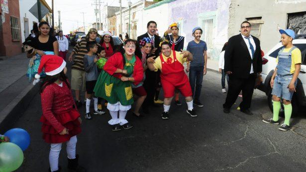 Celebran payasitos su día con un desfile