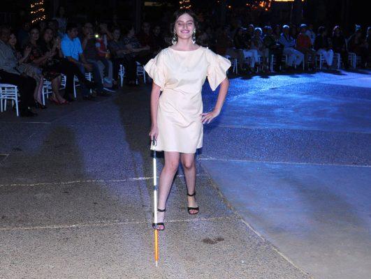Realizan desfile de moda incluyente