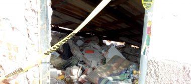 Cae techo de vivienda y anciano resulta lesionado
