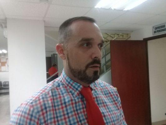 Carlos León votará en contra al incremento de la tarifa de agua