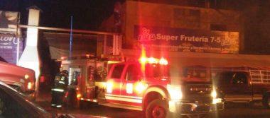 Rescatan a mujer y 3 niños de incendio