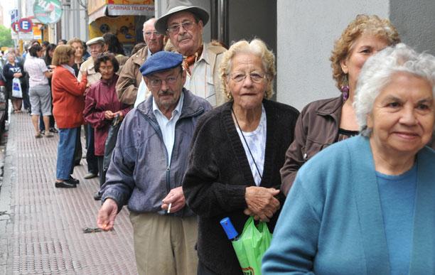 Reciben hoy su pago los pensionados del IMSS