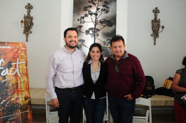 Rebeca Olvera recibe medalla Alfonso Ortiz Tirado