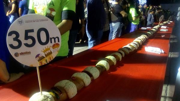 [Galería] Disfrutan de la Rosca más grande de Hermosillo