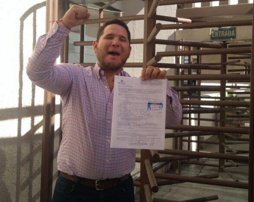Raymundo Arias se registra como aspirante a la alcaldía de Nacozari
