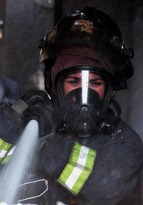 Arde cocina de vivienda