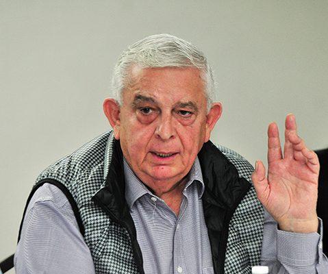 Levanta Ramón Corral mano para  el Senado