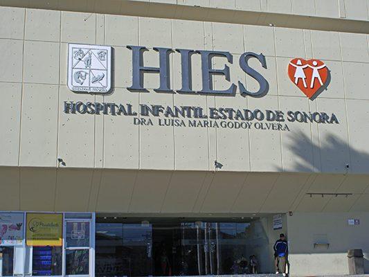 Piden padres de familia ayuda para cubrir gastos médicos