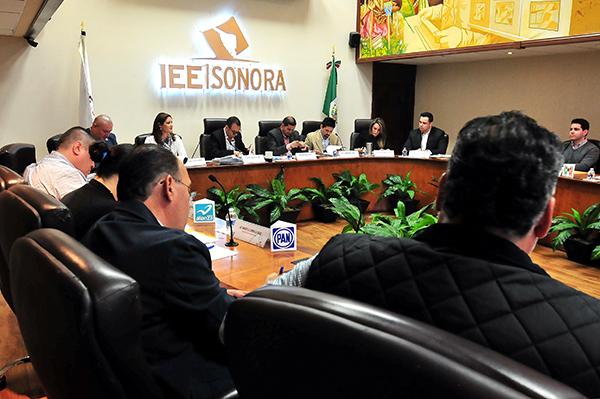 Registra IEE decena de aspirantes  independientes a diputación