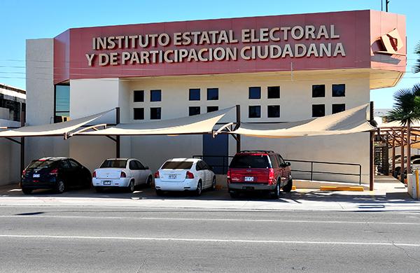 Se registran tres independientes a diputaciones locales