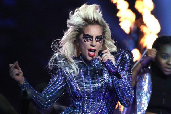 Lady Gaga regresa a los escenarios; inicia su gira europea en Barcelona