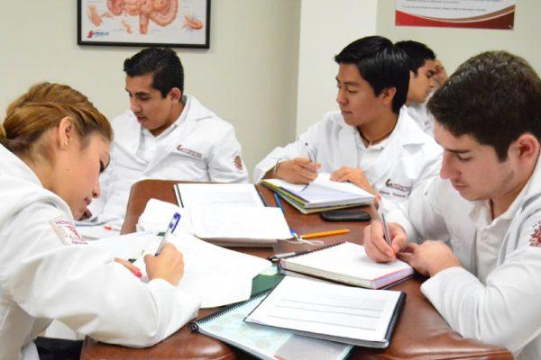 Aplicará exámenes de admisión para la Facultad de Medicina