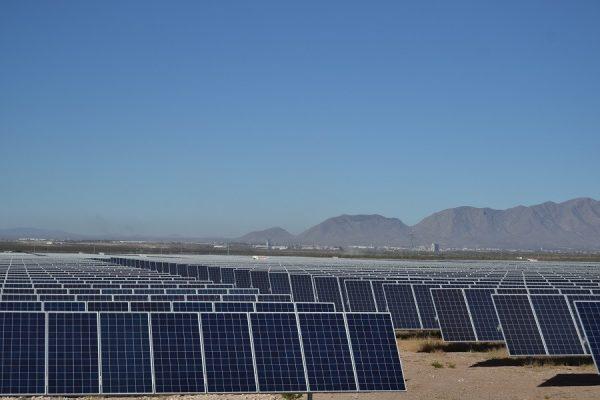 Inicia construcción de parque fotovoltaico equivalente a 333 campos de fútbol