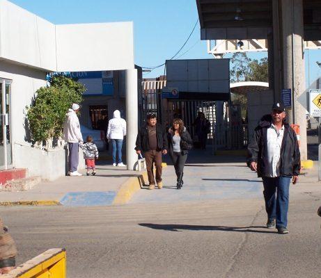 Detienen en SLRC a dos prófugos de Estados Unidos