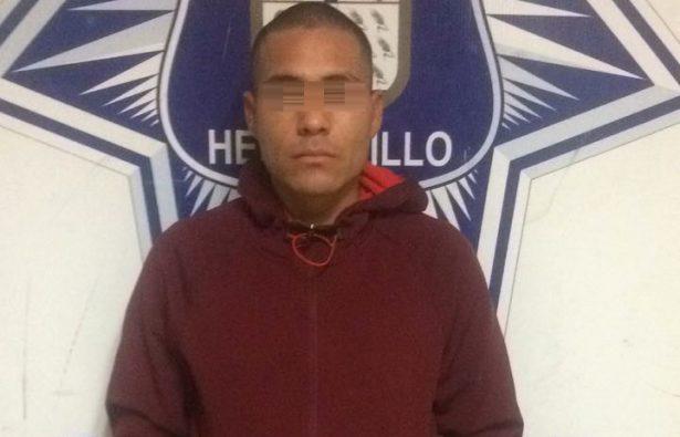 Detienen por violencia intrafamiliar a hombre de 24 años