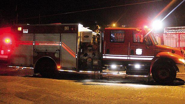 Sofoca Bomberos incendio en la cocina de una vivienda