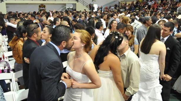 676 parejas se registraron para bodas colectivas