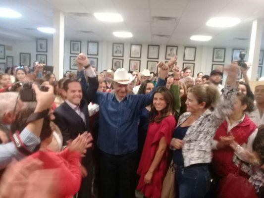 Sylvana y Maloro se registran como precandidatos al Senado en el PRI Estatal