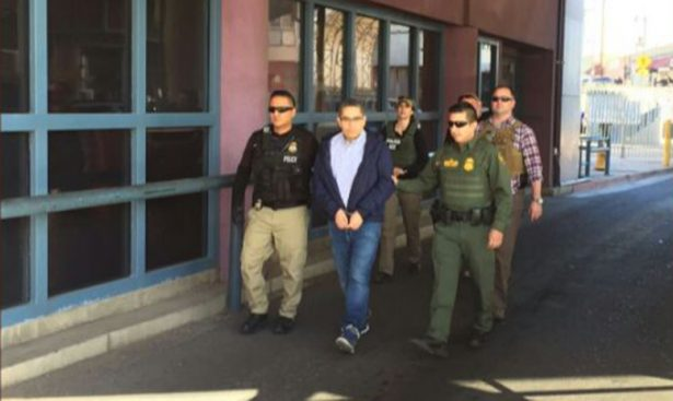 Deportan a ex secretario de Padrés en Nogales