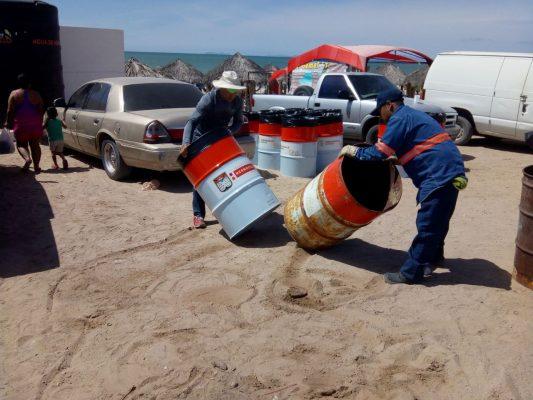 Instalan contenedores de basura en Bahía de Kino